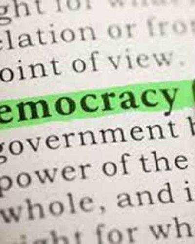 美国民主的基础:我是这个屯儿的主人